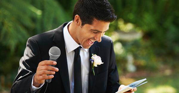 友人代表スピーチの依頼☆楽しく会場を包む7つの例文