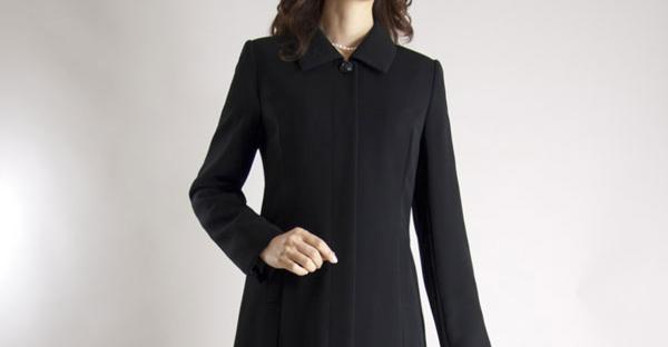 葬儀の服装を選ぶなら☆女性が選ぶ7つのアイテム