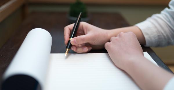 お悔やみの手紙を書く時。相手へ真心が伝わる基本マナー