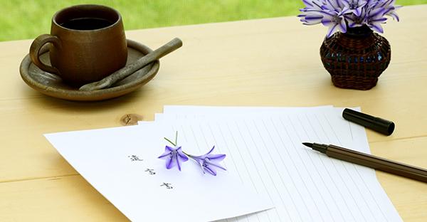 訃報は文例を参考に。伝えるべき基本の言葉と心遣い
