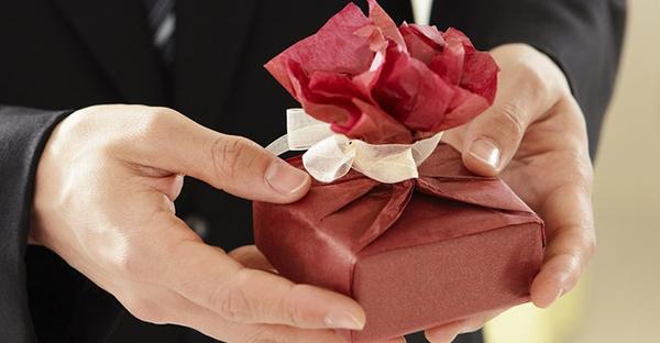 送別会のプレゼント☆性別・年代別に見る、おすすめの品々
