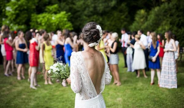 結婚式の服装マナーで気をつけたい3つのポイント