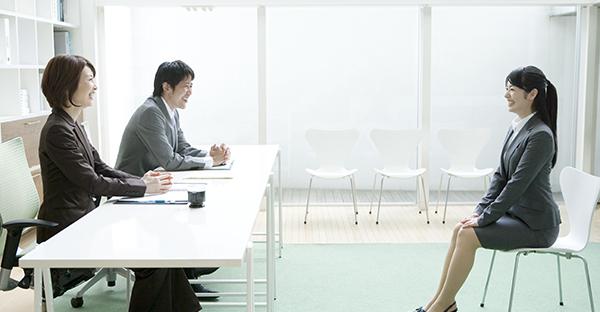 就活スーツをバッチリ揃える☆好印象7つのポイント