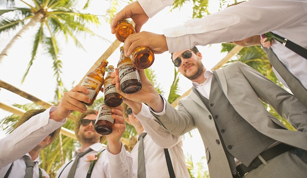 結婚式の二次会は幹事次第!成功させるための6つのコツ
