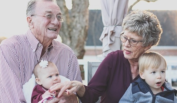 敬老の日に祖父母に贈りたいプレゼント3選