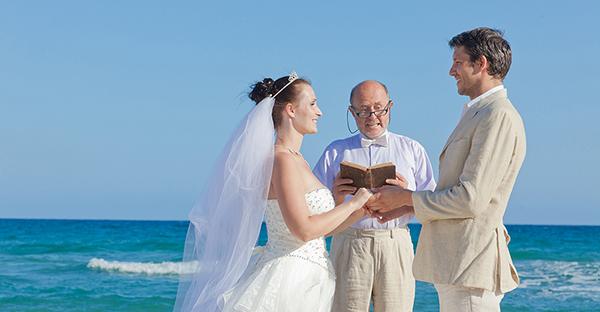 沖縄で結婚式☆リゾート婚でおすすめ!7つのホテル