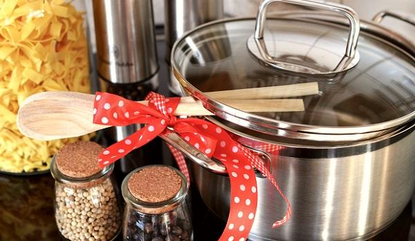 結婚祝いのプレゼントに贈りたい!キッチン用品の選び方