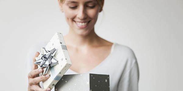 誕生日プレゼントを彼女に☆タイプで選ぶ7つのおすすめ