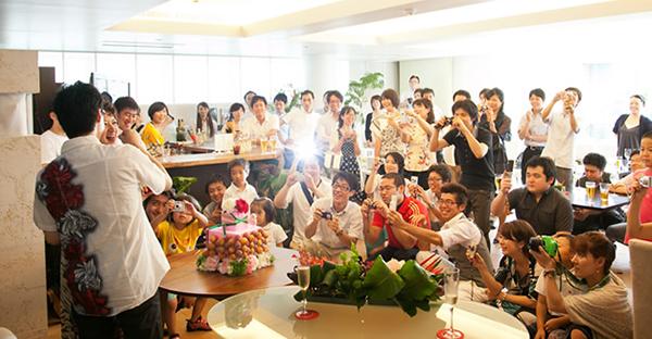 沖縄の結婚式に興奮☆一度は参加したい!違いと魅力