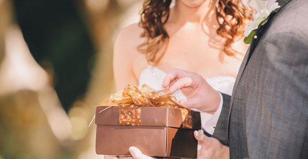 結婚メッセージをひと言☆贈り物に添える7つのメッセージ