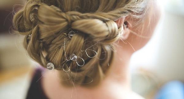 厳選!結婚式の二次会に似合う3つの髪形