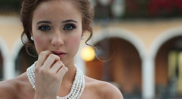 結婚式のお呼ばれ服☆身に付けたいドレスを年代別に解説