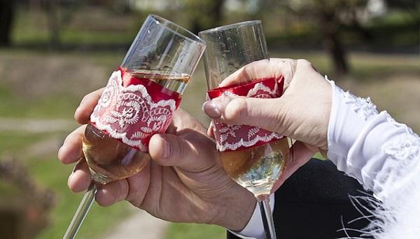 結婚式の乾杯挨拶でゲストを盛り上げるユニーク文例5選
