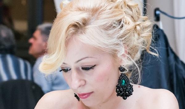 結婚式の二次会☆自分で簡単に出来る髪型とは