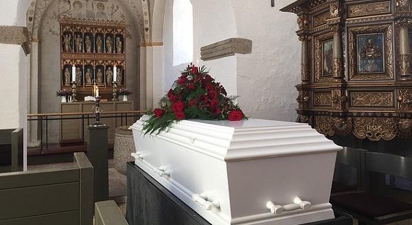 キリスト教葬儀の基礎知識。仏教式とは違う5つの事柄