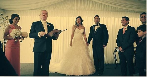 結婚式の親族紹介はどう始める?仕方や順番ココがポイント