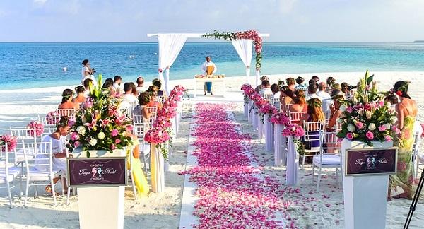 人気地域別に検証!海外結婚式での服装マナー