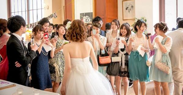 結婚式の服装マナー☆フォーマルな席でも安心の装い