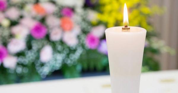 葬儀の流れを確認。知っておくと安心できる、喪主の一日