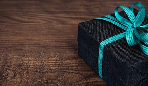 結婚記念日のプレゼント☆年数別妻から夫へ贈る7つの品々