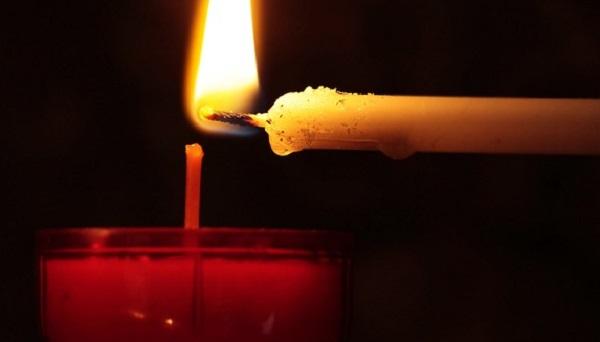心に刺さる弔辞の作り方。盛り込む内容と言葉選びのコツ