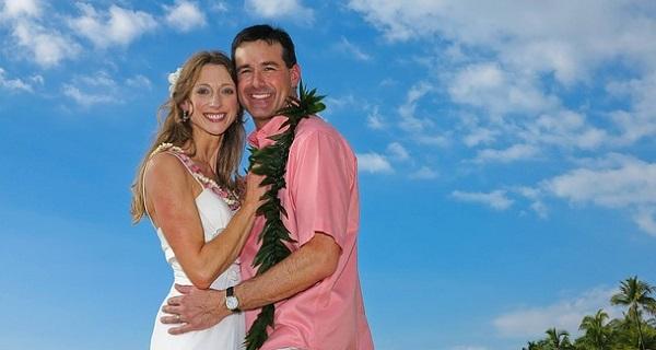 ハワイ結婚式☆ドレスから小物までゲストも楽しむ服装選び