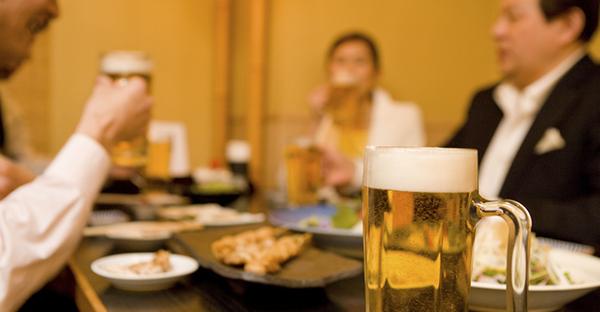 会社の飲み会でのマナー☆場の雰囲気を和やかにするコツ