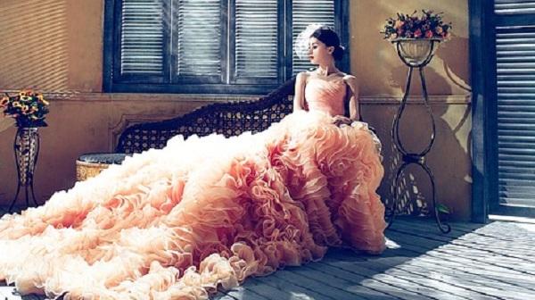 結婚式場別☆花嫁が映えるカラードレスの選び方5つのコツ