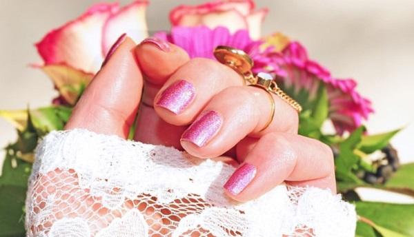 結婚式のお呼ばれネイル☆好印象を与える5つの法則とは
