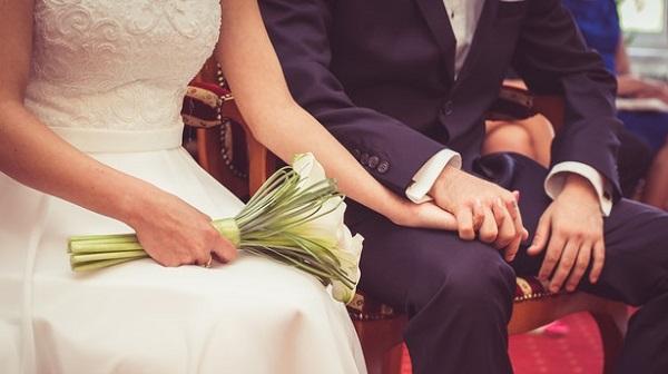 男女別!結婚式のスピーチ例文5選☆泣ける文章のコツとは