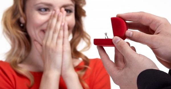彼女へのプロポーズをサプライズで成功させる5つの秘策☆