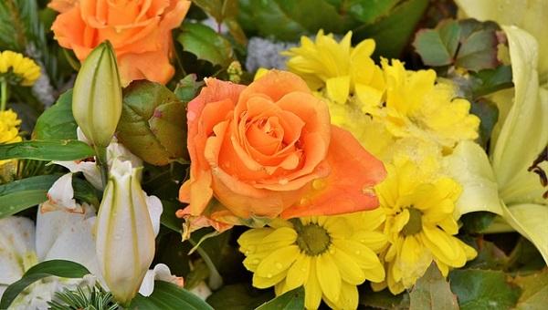 お祝いのスタンド花のマナー☆相手に喜ばれる心遣いとは