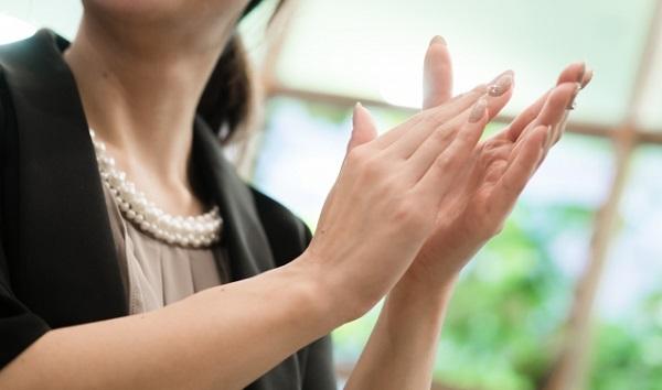 40代女性がステキに見える結婚式の服装選び5つのヒント