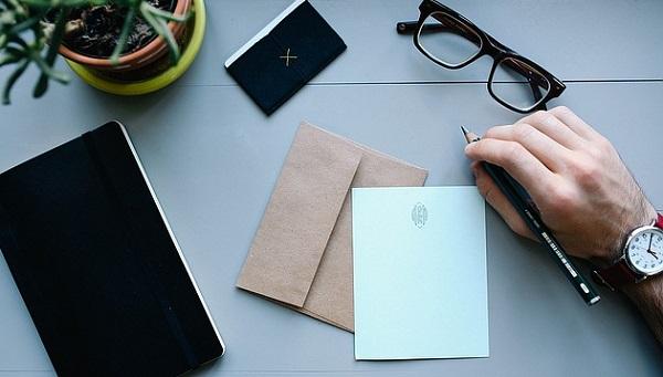 ビジネスでよく使う挨拶状の書き方!5つの文例パターン