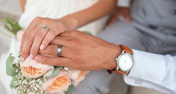 結婚式の感動エピソード5選!マネしたい演出ポイントとは